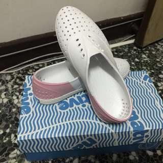 native 晴雨鞋 粉色加白色 23.5 (尺寸再最後一張)