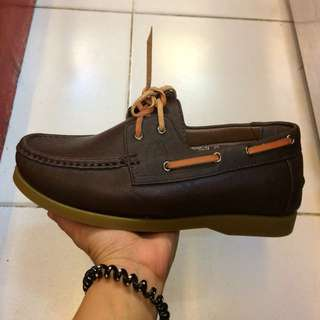 TOPSIDER (size 43 9.5)