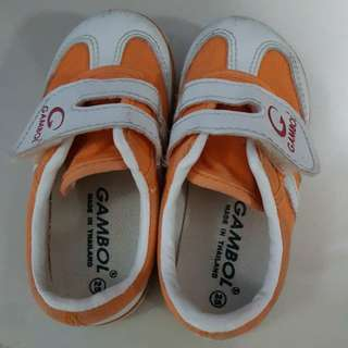 Toddler velcro unisex shoes