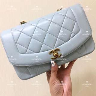(SOLD)Chanel Vintage 粉藍色羊皮 Diana Bag 22cm