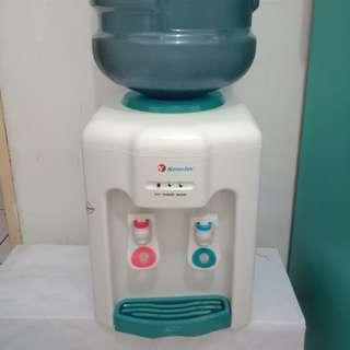 Dispenser air Nanotec + Aqua galon kosong