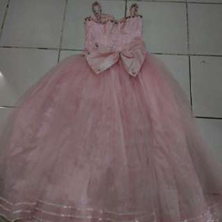 Gaun anak tanggung