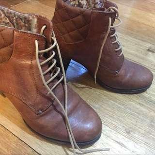 Camper Heel Boots