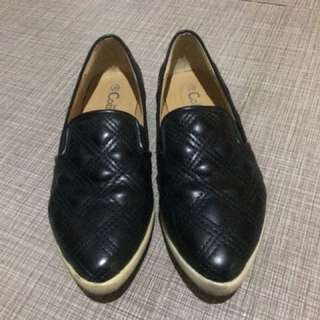 Comfit Black Loafer