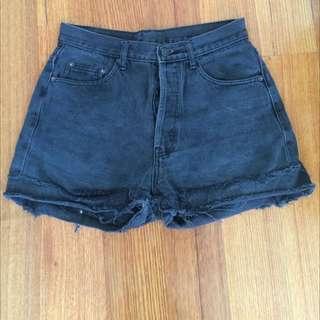 Vintage Levis 501 Denim Shorts Black Size 31