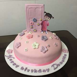 Pink Boxes customized cake