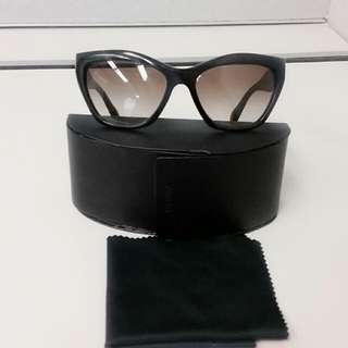 Authentic Prada Cat eye Sunglasses SPR02Q RP$350