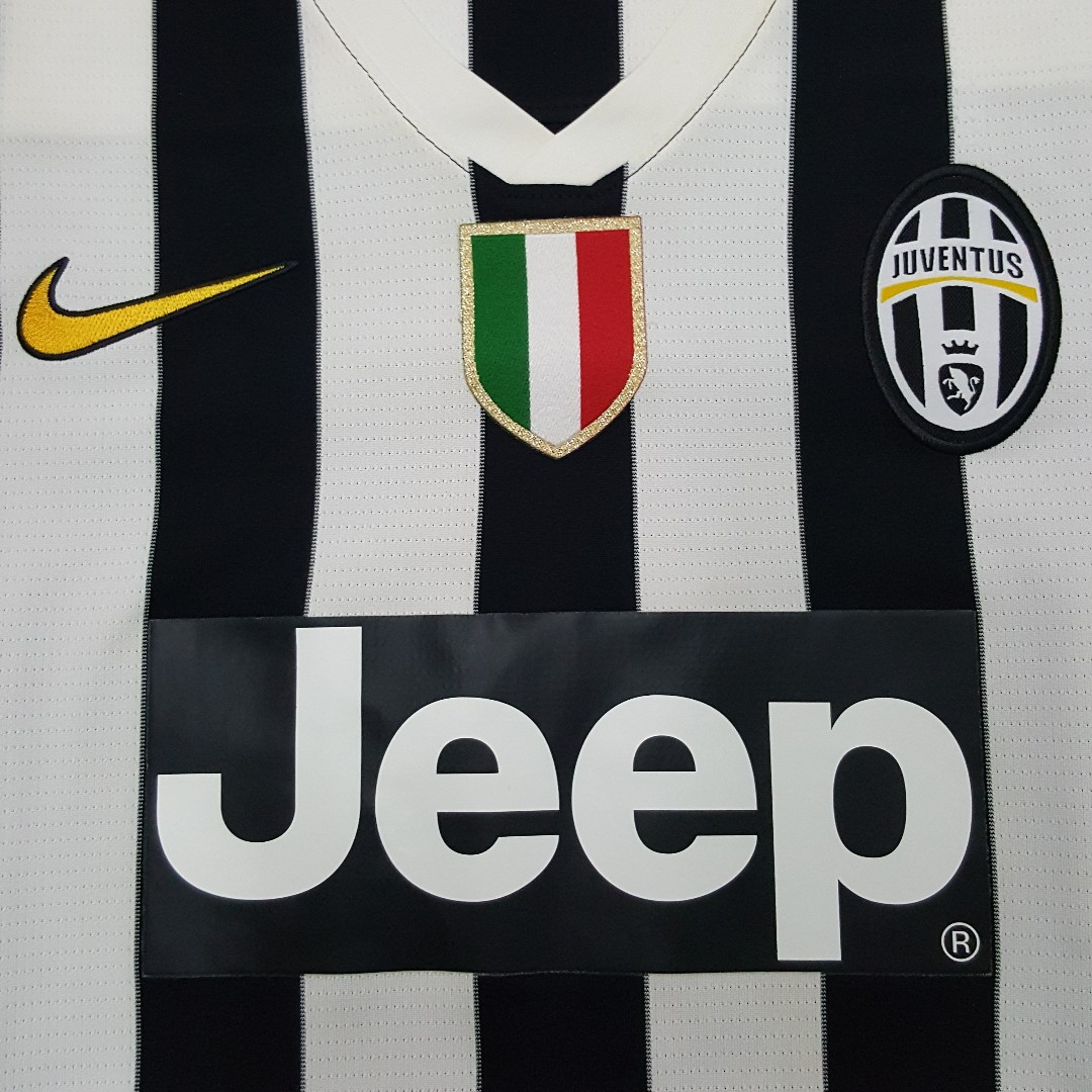 buy popular 24b71 23402 100% Authentic 2013-14 Juventus Home Jersey with Arturo ...