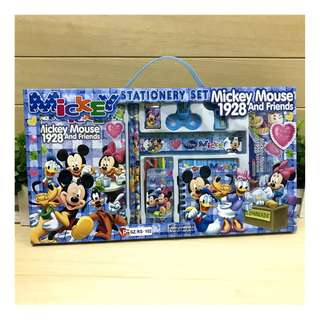 8 in 1 Set - Brand New Christmas Xmas Gift Set Disney Mickey Mouse Stationery Gift Box Set 8 in 1 Primary school kindergarten children kids learning gifts Birthday party