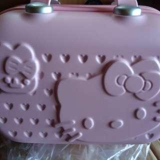 全新-Kt粉色隨身行李箱