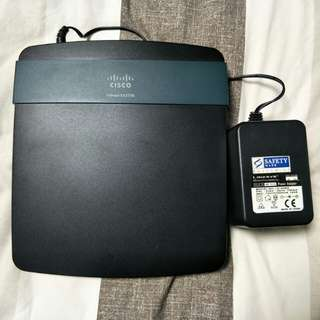 Used CISCO Linksys Wireless Router EA2700