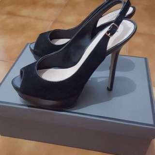 Sepatu heels PEDRO hitam