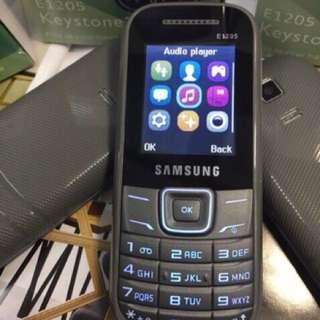 Samsung E1205 Basic Phone