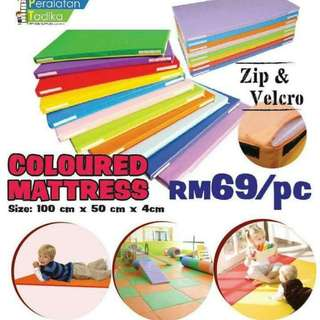 Coloured mattress