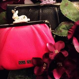 ANNA SUI FUCHSIA LEATHER COINS BAG WITH RABBIT CHARM