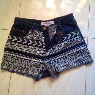 Aztecct Short