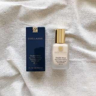 Estee Lauder Double Wear Stay-in-Place Makeup in Shade 1W1 Bone