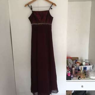Tailored to fit maroon gown