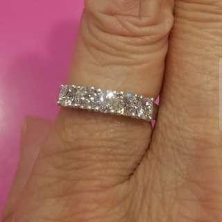 周生生18K白金92份鑽石介子