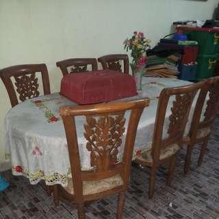 Meja makan 6 kursi kayu