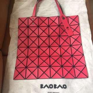 Issue Miyake Bao Bao 6x6 啞粉紅色 (只用過數次,9成新)