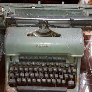 antique the most heaviest type writer OLYMPIA GERMANY