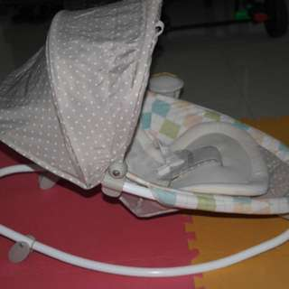 *PRELOVED* Baby Bouncer with sounds and vibration