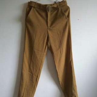 土黃色哈倫西裝褲