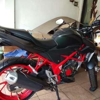 Honda CB 150 STREET FIRE SPECIAL EDITION    surat 2 plus faktur lkp, jarang pakai like new 97%