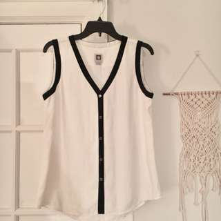 Barely Used Anne Klein Blouse size Medium