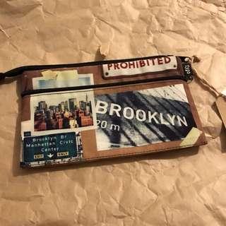 Typo street print pouch
