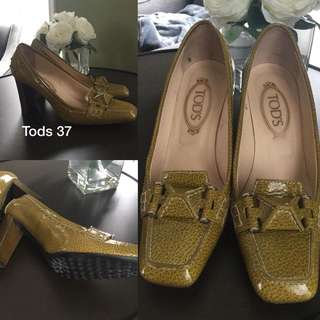 TODS LOAFERS EUC 37