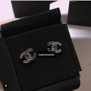 Chanel two tone cc logo earring
