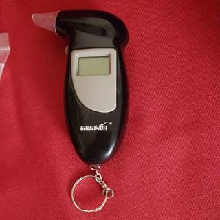 ALCOHOL TESTER. .BREADTH ANALYSER