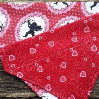 Hearts print pets slip on Bandana
