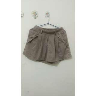 🚚 紗質卡其色褲裙 降價啦!