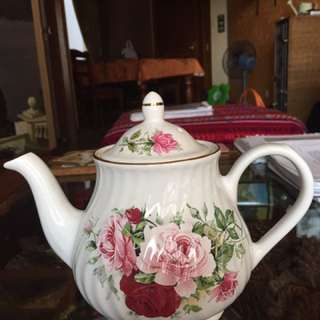 Teapot (Arthur Wood n Sons, England)