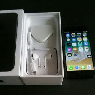 95% black colour iPhone 7  128gb, Hong Kong zp version,  full set with box.  4.7""