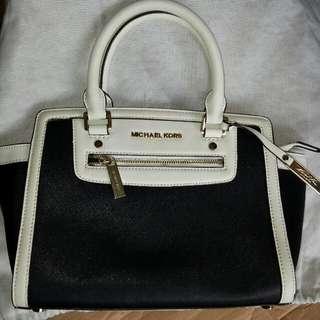 Aunthentic Michael Kors Bag