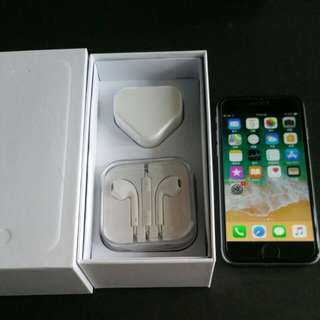 "99% gray colour iPhone 6 64gb, Hong Kong zp version,  full set with box.  4.7"" original, like new, 100% working & good battery, full set new accessories, 7 days warranty.   4.7寸99%"