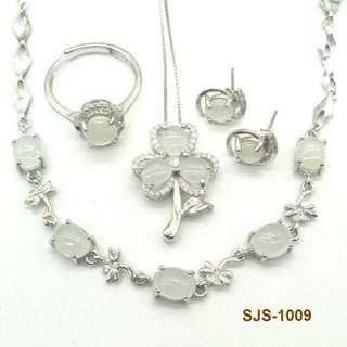 925銀鑲白冰翡翠首飾套裝