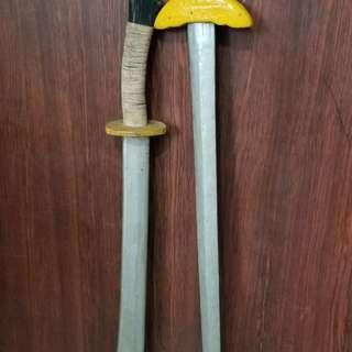 怀旧木剑二把