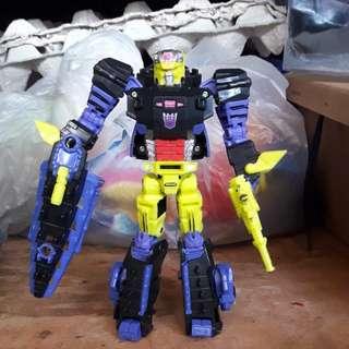 Transformer titan return-deluxe class krok and gatorface