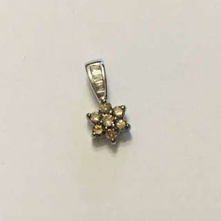 Diamond (Brown) Color Pendant. 0.18ct. 18kWG with tapered Diamonds