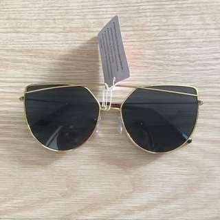 Fashion sunnies - gold/black
