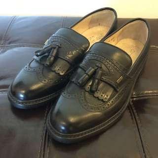 Clarks 全新真皮皮鞋 8.5E