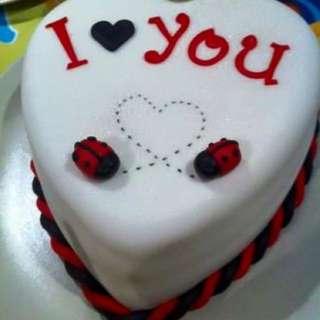 Customise Cakes 🍰