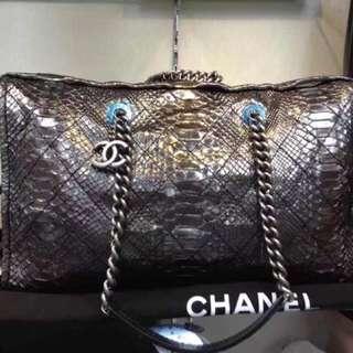 限量版Chanel莽蛇皮Shopping Bag 原價HKD76000 清貨價 HKD48000