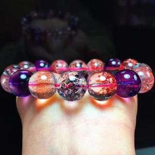 B07008天然超七紫發晶金草莓晶手鍊!!紫發顏色漂亮!!是招財利器的法寶,性價比超高。尺寸: 13毫米, 重量: 50.5克, 超值價11800超美噠!!