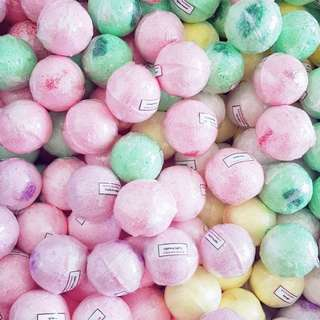 Flavoured Fizzy Bath Bombs